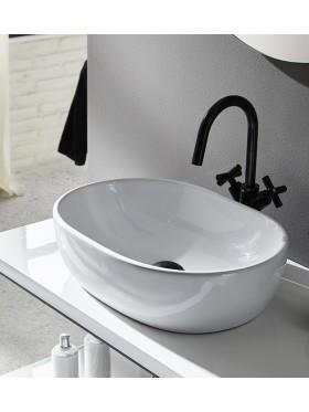 detalle del lavabo sobre encimera