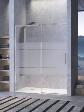 Detalle de la mampara de ducha con serigrafía