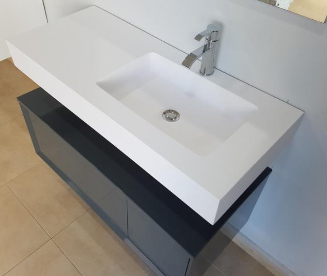 lavabo suspendido de solid surface